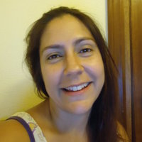 Spanish native speaker offers her knowledge and experience to learn this language